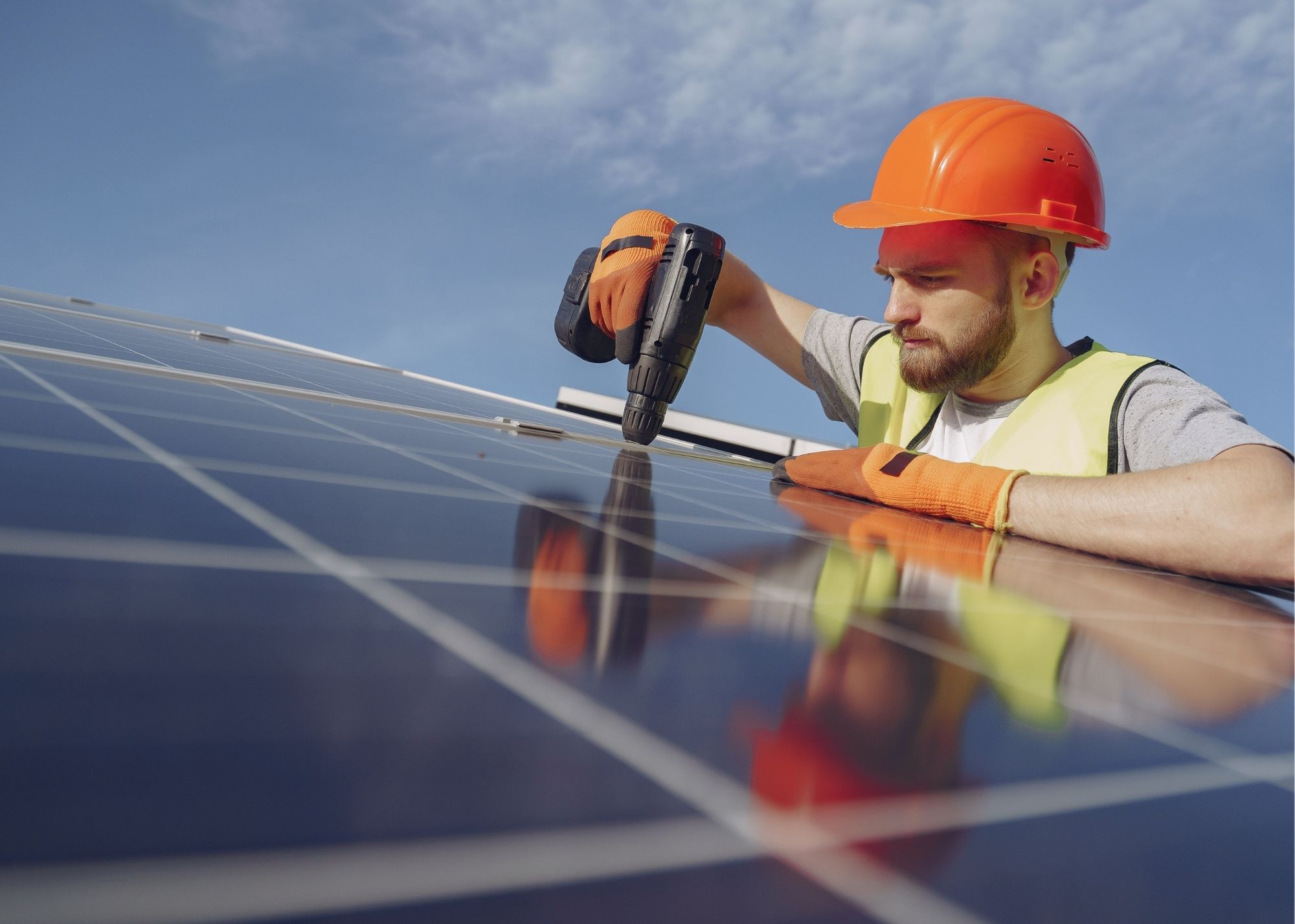 image of solar electrician